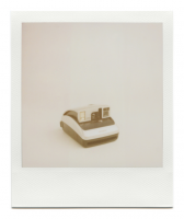 http://robinwaart.nl/files/gimgs/th-85_85_022-one-110314-2244-hrs-garden-grove-ca-us-2004-polaroid-one600-ultra-silver-and-black-2004-3751-usd.png