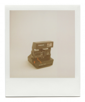 http://robinwaart.nl/files/gimgs/th-85_85_043-80s-110329-0437-hrs-seattle-wa-us-1986-1992-polaroid-onestep-flash-red-line-1986-1992-2915-usd.png
