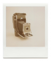 http://robinwaart.nl/files/gimgs/th-85_85_066-066a-honderd-110410-2346-hrs-vernon-tx-us-1957-1960-polaroid-land-camera-model-150-without-bc-flash-and-diffuser-1957-1960-3774-usd.png