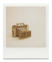 http://robinwaart.nl/files/gimgs/th-85_85_101-101a-automatic-070711-0238-hrs-atkinson-il-us-1971-1977-polaroid-automatic-land-camera-420-without-polaroid-focused-flash-1971-1977-3549-usd.png