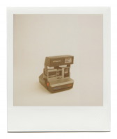 http://robinwaart.nl/files/gimgs/th-85_85_105-80s-110710-1233-hrs-amstetten-de-1986-1992-polaroid-supercolor-635-sl-light-management-system-grey-text-in-blue-and-red-1986-1992-1011-eur.png