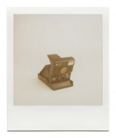 http://robinwaart.nl/files/gimgs/th-85_85_106-slr-110710-1435-hrs-amsterdam-nl-1982-1986-polaroid-slr-680-auto-focus-slash-auto-strobe-red-button-rainbow-logo-and-small-letters-meters-1982-1986-10000-eur.png